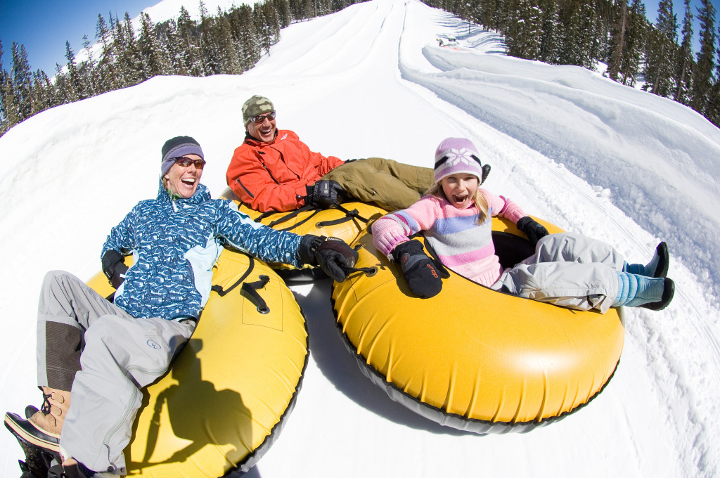 SNOW TUBING.VailResorts_KEY5624_Bob_Winsett_HighRes